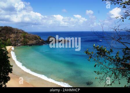 Schönen Strand auf der Insel Fernando de Noronha in Brasilien - Stockfoto