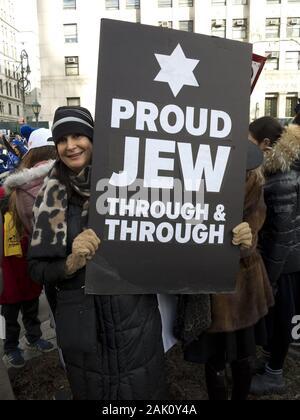 New York, USA. 5. Januar, 2020. Rund 15.000 Demonstranten auf die Straße gingen, die keinen Hass keine Angst März als Reaktion auf den verschärften antisemitischen Attac - Stockfoto