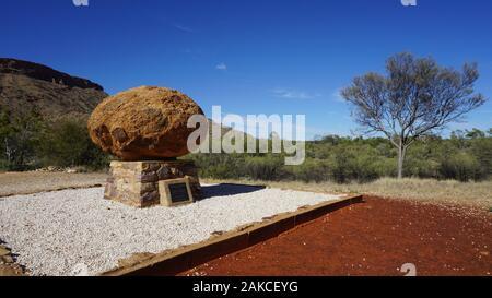 Einen sonnigen Tag im West MacDonnell Ranges im Norden, in der Nähe von Alice Springs/Australien - Stockfoto