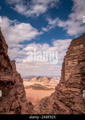 Die Felsen in der Wüste Wadi Rum, Jordanien, Naher Osten - Stockfoto