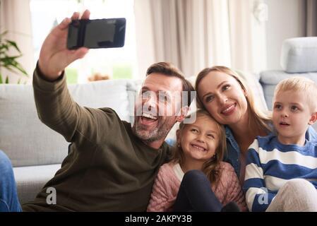 Freundliche Familie nahm ein selfie - Stockfoto