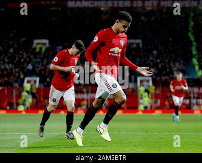 Von Manchester United Maurer Wald feiert vierten Ziel seiner Seite des Spiels zählen während der Premier League Spiel im Old Trafford, Manchester.