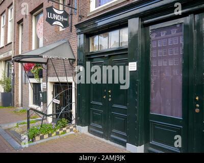 Die Haustür von Anne Franks Haus, Amsterdam, Niederlande - Stockfoto