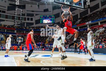 Moskau, Russland. Januar 2020. #42 Kyle Hines von CSKA Moskau im Spiel gegen Real Madrid während der regulären Saison 2019/2020 Turkish Airlines Euroleague Runde 19 in der Megasport Arena.(Endstand: CSKA Moskau 60 - 55 Real Madrid) Credit: Sopa Images Limited/Alamy Live News - Stockfoto