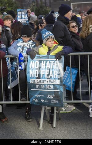 Keinen Hass, keine Angst jüdische Solidarität März als Reaktion auf antisemitische Angriffe in um Stadt über Brooklyn Bridge und - Stockfoto