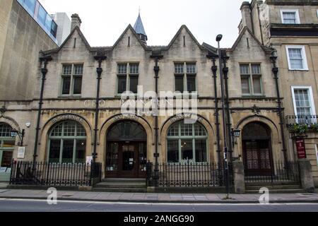 Badewanne, Großbritannien - 10 April, 2019. Historische Architektur der Buchhandlung, Badewanne. Bath, England, UK, 10. April 2019 - Stockfoto