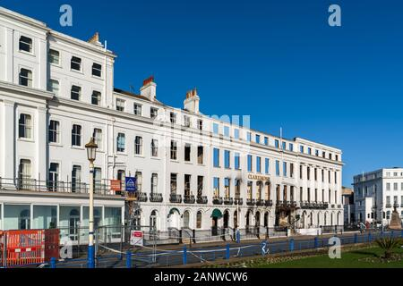 EASTBOURNE, East Sussex/UK - Januar 18: Blick auf die Ausgebrannten Claremont Hotel in Eastbourne East Sussex am 18. Januar 2020. - Stockfoto