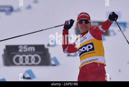 Alexander Bolshunov siegte bei den Männern 15 km im klassischen Stil innerhalb der FIS Langlauf Weltcup in Nové Město na Moravě, Tschechien, am 19. Januar 2020. (CTK Photo/Lubos Pavlicek) - Stockfoto