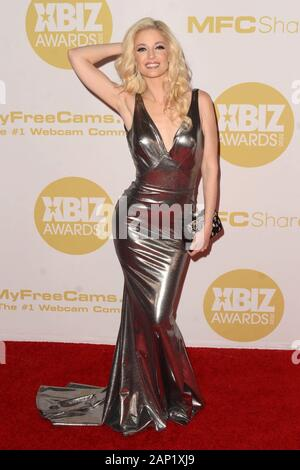 Los Angeles, CA. 16 Jan, 2020. Charlotte Stokely in der Ankunftshalle für 2020 XBIZ Awards, der J.W. Marriott LA Live, Los Angeles, CA 16. Januar 2020. Credit: Priscilla Grant/Everett Collection/Alamy leben Nachrichten - Stockfoto