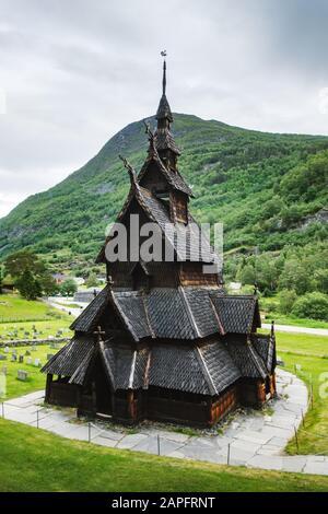 Alte Holz-Borgund-Stave-Kirche, Kreis Sogn og Fjordane, Norwegen. Landschaftsfotografie