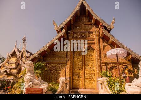Der Wat Mahawan in der Stadt Chiang Mai im Norden Thailands. Thailand, Chiang Mai, November 2019 - Stockfoto