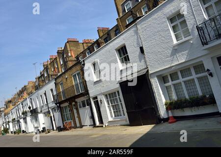 Terrassenförmige Luxury Residential Mews Houses, Gloucester Place Mews, Belgravia, West London, Großbritannien - Stockfoto