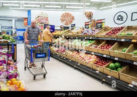 Florida Miami Walmart Discount-Kaufhaus im Inneneinkaufsgeschäft - Stockfoto