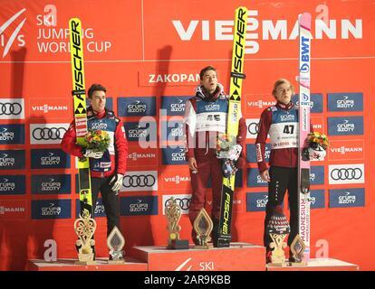 Zakopane, Polen. Januar 2020. Feiernd nach dem Gewinn des Einzelwettbewerbs des Skisprung-Weltcups der FIS in Zakopane. Credit: Sopa Images Limited/Alamy Live News - Stockfoto