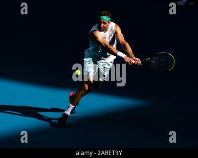 Melbourne, Australien. Januar 2020. Tennys Sandgren aus den USA ist während seines vierten Vorrundenspiels beim Tennisturnier 2020 Australian Open Grand Slam in Melbourne, Australien im Einsatz. Credit: Frank Molter/Alamy Live News - Stockfoto
