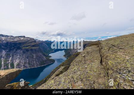Trolltunga Mountain Landschaft Mit Ringedalsvatnet Lake View Im Juni 2019. - Stockfoto