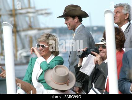 HRH Prince Charles und HRH Princess Diana besuchen den Australian Bicentennial Day, Sydney Harbour während ihrer Royal Tour of Australia im Januar 1988 Stockfoto