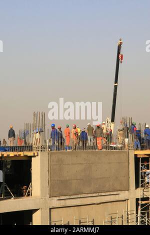 Die Villa Mall, als sie mit dem Bau während der ersten Bau-/Bauphase 2009 begann, Moreleta Park, Pretoria/Thswane, Gauteng, South Afr - Stockfoto