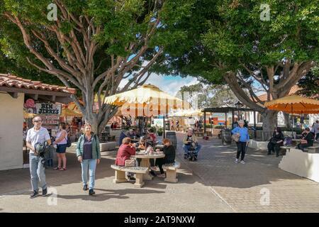Seaport Village, Einkaufs- und Restaurantkomplex am Wasser neben der San Diego Bay im Stadtzentrum von San Diego, berühmter Touristenattraktion. Kalifornien. USA. . Juli 2019