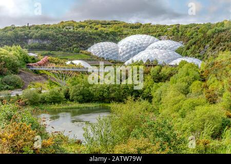 Blick über das Eden Project in Cornwall, England, Großbritannien - Stockfoto