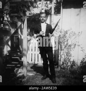 1963, märz, DALLAS, TEXAS, USA: LEE HARVEY OSWALD (* 1939; † 1963), der den Mörder, der den US-Präsidenten JOHN FITZGERALD KENNEDY i ermordet hat, verantwortlich machte - Stockfoto