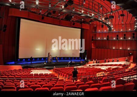 Das neue David Geffen Theatre mit 1.000 Plätzen befindet sich im Sphere Building im Academy Museum of Motion Pictures, das sich der Fertigstellung in Los Angeles, Kalifornien, nähert. 7. Februar 2020 - Stockfoto
