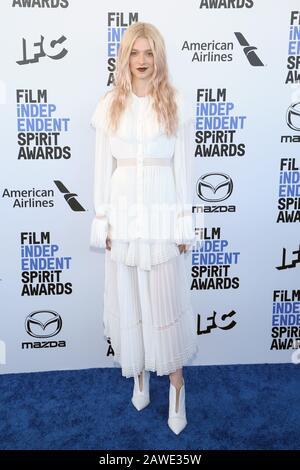 Santa Monica, Ca., USA. Februar 2020. Hunter Schafer bei den Film Independent Spirit Awards 2020 in Santa Monica, Kalifornien am 8. Februar 2020. Kredit: Faye Sadou/Media Punch/Alamy Live News - Stockfoto