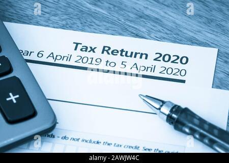 UK HMRC Selbsteinschätzung Einkommenssteuererklärung Formular 2020 - Stockfoto