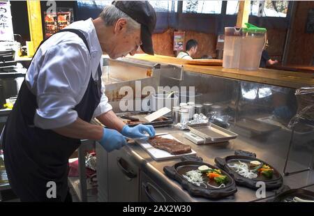 Das Restaurant Farm ist berühmt für sein wagyu-rind, das direkt von der Farm kommt. Marmorierung ist das, was es zart und aromatisch macht. - Stockfoto