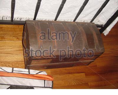 """""""Englisch: Ein antikes Holz- Brust, 25. Februar 2007 (original Upload Datum); Ich habe Bild, ich es zu Public Domain freigeben. Ebeisher 03:25, 25 Februar 2007 (UTC); Ebeisher;"""". - Stockfoto"""