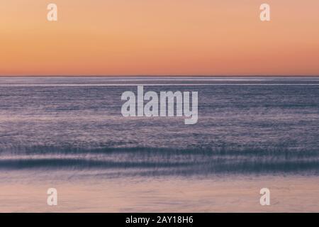 Meeresblick, Blick auf den Horizont über die Wasseroberfläche. - Stockfoto