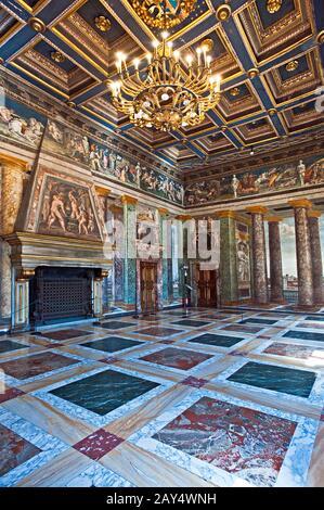 Der Saal der Perspektiven in der Villa Farnesina in Rom. Italien. - Stockfoto