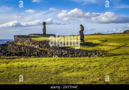 Moais Statuen, Ahu Vai ure, Osterinsel - Stockfoto