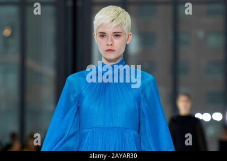 Carolina Herrera FW20 Start- Und Landebahn während der New York Fashion Week Februar 2020 - New York, USA 10/02/2020 - Stockfoto