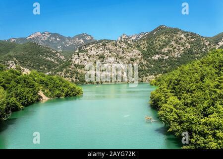 Der Stausee und der See Panta De La Baells nahe der Stadt Berga, Katalonien, Spanien - Stockfoto