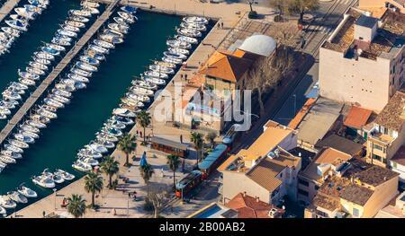 Luftbild, Tramstation Port de Sóller, Mallorca, Spanien, Europa, Balearen, Boote, Bootstouren, Bootsfahrten, Bootsverleih, es, Espana, Hafen - Stockfoto
