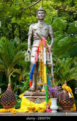 König Mangrai (1239-1311) war der 25. König von Ngoen Yang (r. 1261-1296) und der erste König von Chiang Mai (r. 1296-1311), Hauptstadt des Königreichs Lanna (1296-1558). Wat Phra Singh oder Wat Phra Singh Woramahaviharn seinen vollständigen Namen zu geben, wurde erstmals um 1345 von König Phayu, dem 5. König der Mangrai-Dynastie, erbaut. - Stockfoto