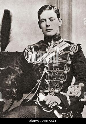 Winston Churchill, hier als Leutnant in den Husaren der 4. Königin Gesehen. Sir Winston Leonards Spencer-Churchill, * Zwischen 1874 Und 1965. Britischer Politiker, Armeeoffizier, Schriftsteller und zweimal Premierminister des Vereinigten Königreichs. - Stockfoto