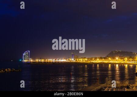 Blick auf die Küste bei Nacht - Stockfoto