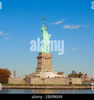 Erstaunliche Freiheitsstatue in der Stadt New york - Stockfoto