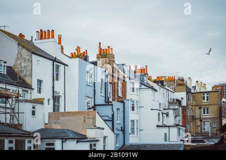Britische Architektur, Fassaden, Schornsteine, Brighton, England - Stockfoto