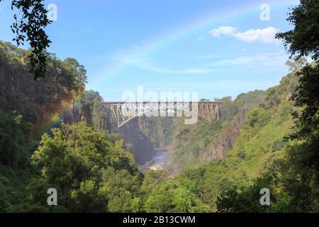 Victoria Falls Bridge unterhalb der Victoriafälle, Grenze zwischen Simbabwe und Sambia, Afrika Stockfoto