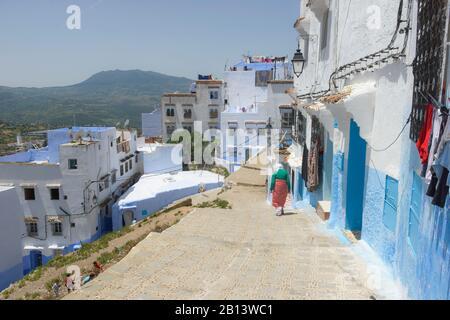 Straßen und Gassen der Medina von Chefchaouen, Marokko