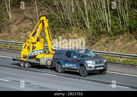 Shelbourne Reynolds Engineering Ltd.; Fahrzeugverkehr, Transport, moderne Fahrzeuge mit Anhänger, Salonwagen, Fahrzeug auf britischen Straßen, Motoren, Fahren auf der Autobahn M6 - Stockfoto
