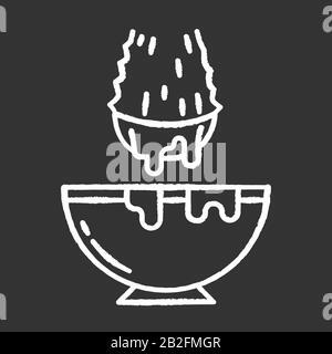 Schnitt Aloe vera sprieß Kreide weiße Ikone auf schwarzem Hintergrund. Heilkräuterextrakt in der Schüssel. Organische Pflanzenflüssigkeit fällt im Glas ab. Blattschnitt - Stockfoto