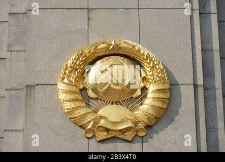 Sowjetisches Ehrenmal, Straße des 17. Juni. Juni, Tiergarten, Berlin, Deutschland - Stockfoto