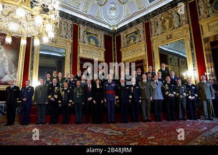 Madrid, Spanien. März 2020. Der spanische König Felipe VI. Stellte während der königlichen Audienz eine Gruppe von Kapitänen der Marine vor, die am 06. März 2020 im Königlichen Palast von Madrid, Spanien, abgehalten wurden. EFE/ Juan Carlos Hidalgo Credit: EFE News Agency/Alamy Live News - Stockfoto