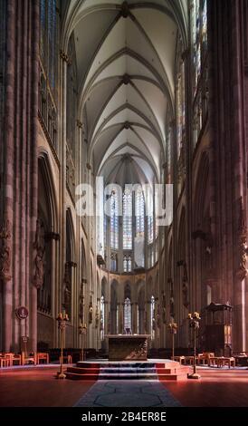 Innenansicht Des Kolner Dom Eine Katholische Kathedrale Und Unesco Weltkulturerbe In Koln Nordrhein Westfalen Deutschland Stockfotografie Alamy