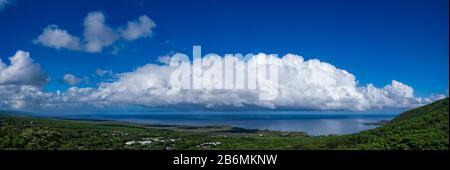 Blick auf Meer und Wolke am Himmel, South Kona, Hawaii, USA