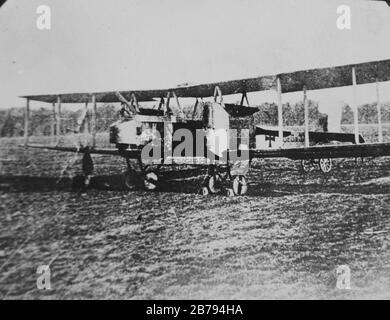 Deutscher schwerer Bomber, Gotha G.V, verwendet von Luftstreifenwagen (Imperial German Air Service), WWI (28754172606). - Stockfoto